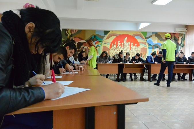 17 nov 2014, Liceul Tehnologic Petru Poni - sesiune de informare si trezire a respectului faţă de tradiţii