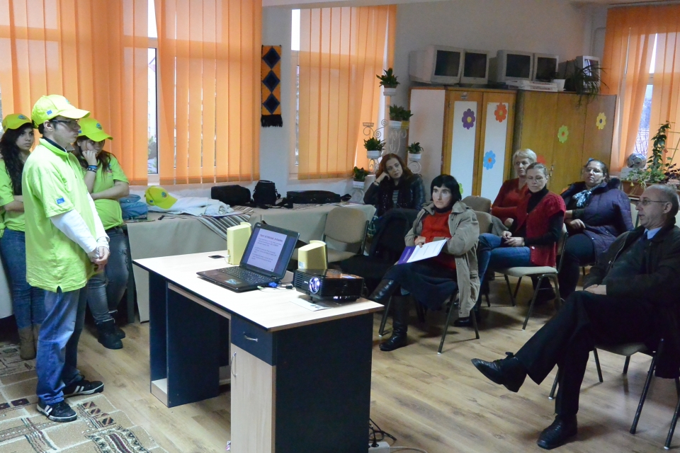 Sesiune informare  prevenire trafic personal CP Ion Holban Iasi
