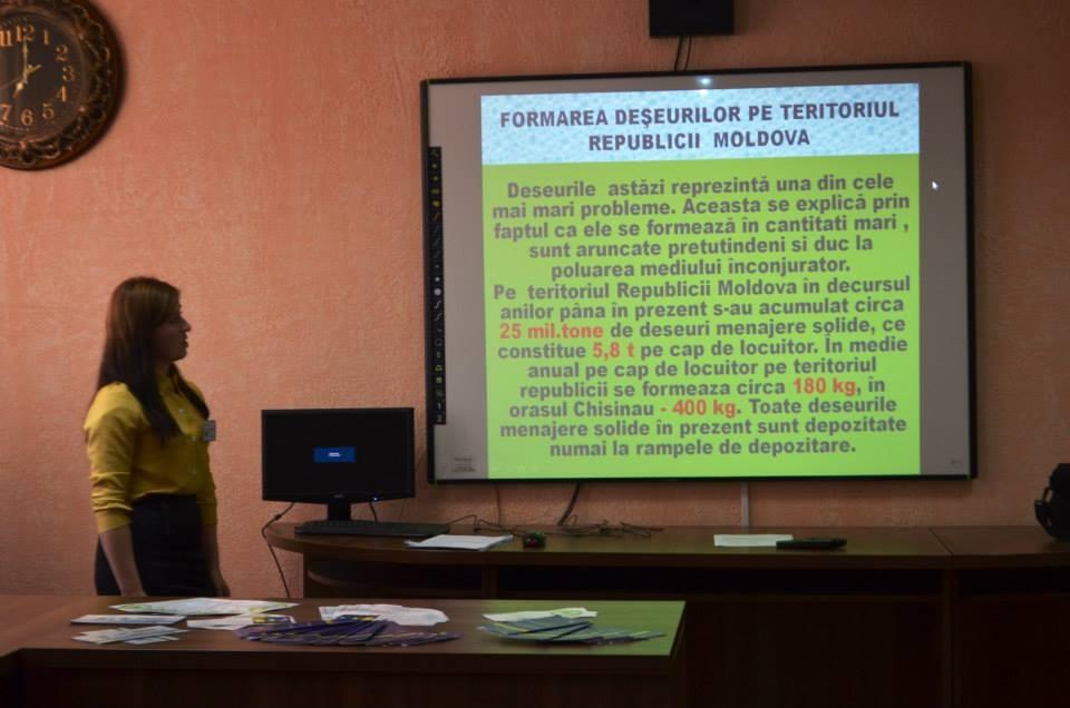 Vorbim elevilor din Liceul Teoretic M. Birca, Mileşti,  despre poluarea din R. Moldova