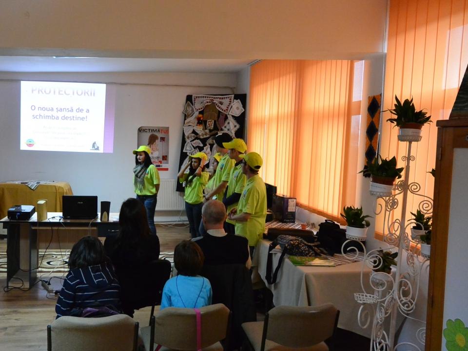 Sesiune de informare prevenire trafic de persoane CP Ion Holban Iasi